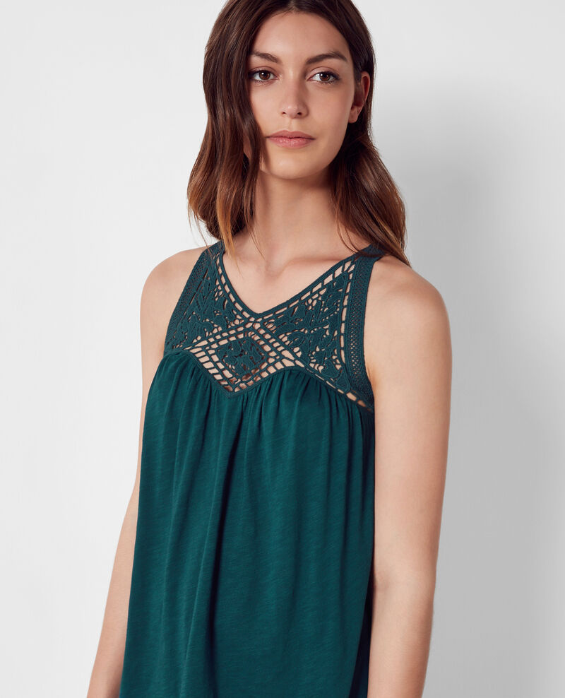 Top avec broderies ajourées au col Jungle green Castafiore