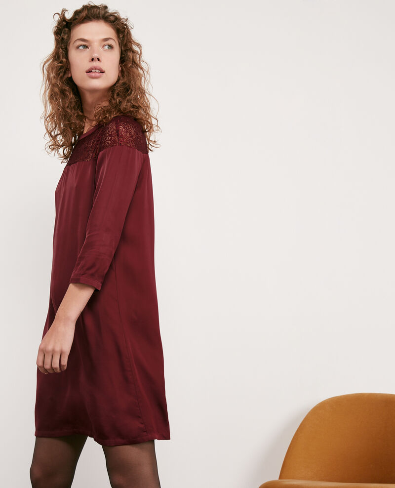 Robe en satin et dentelle Burgundy Datillon