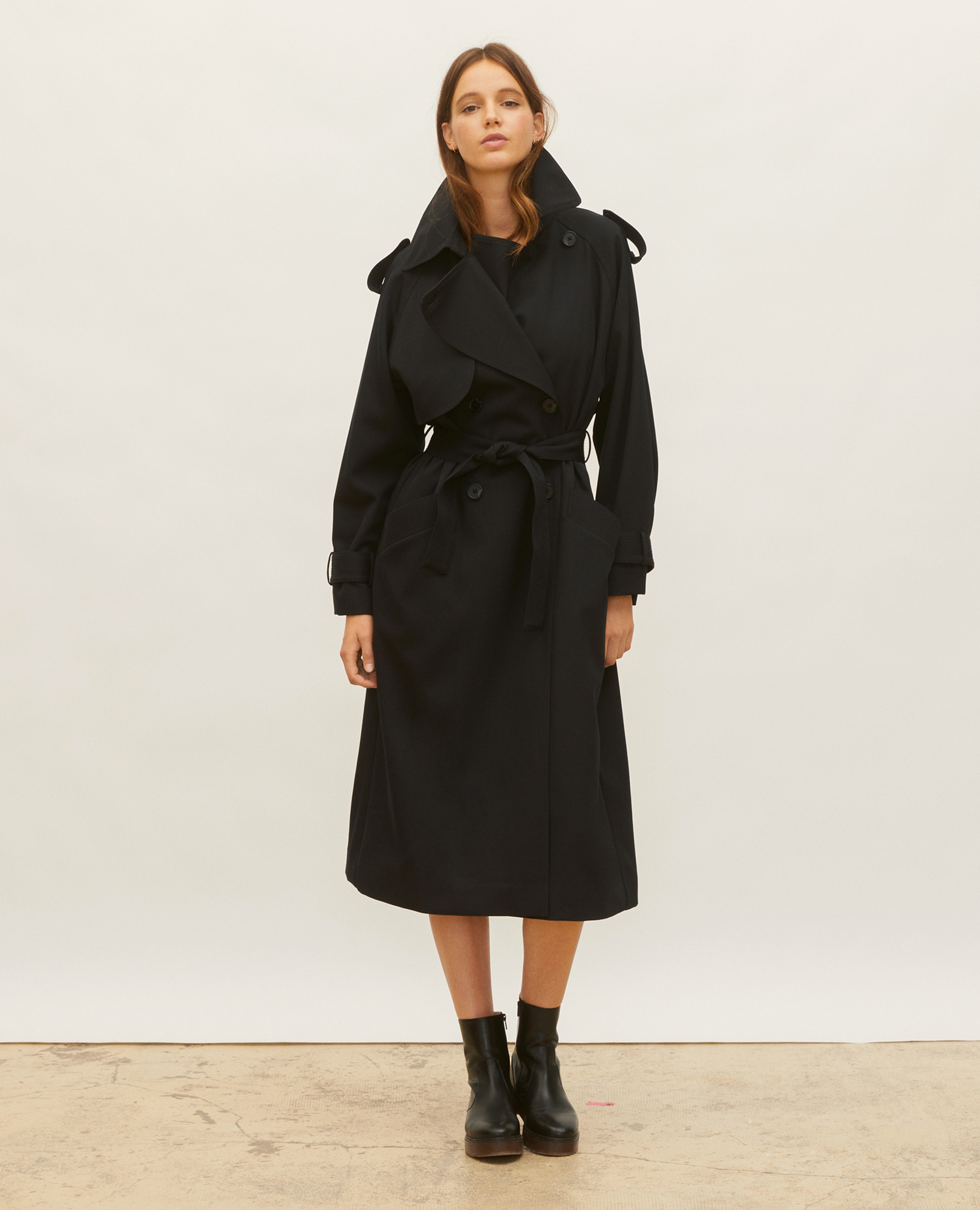 Trench femme look parisienne