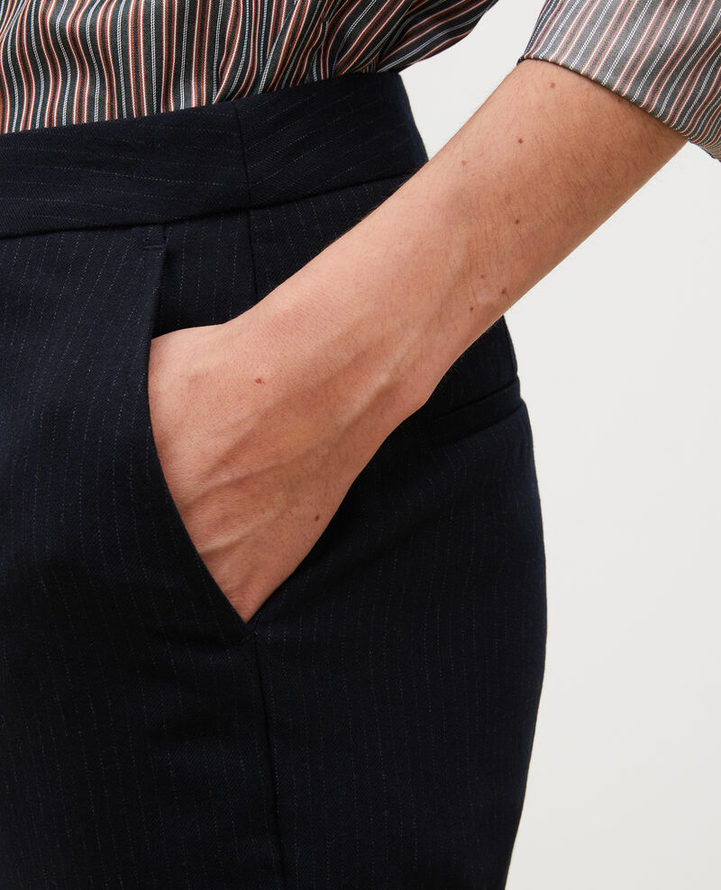 Pantalon MARGUERITE, 7/8e fuselé en laine à revers Night sky Mokoy