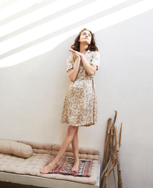 Robe chemise avec de la soie imprimée BANDANA LIGHT BEIGE