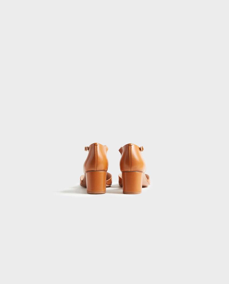 Salomés en cuir Camel Pegeve
