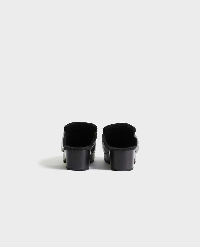 Sabots en cuir Black beauty Perri