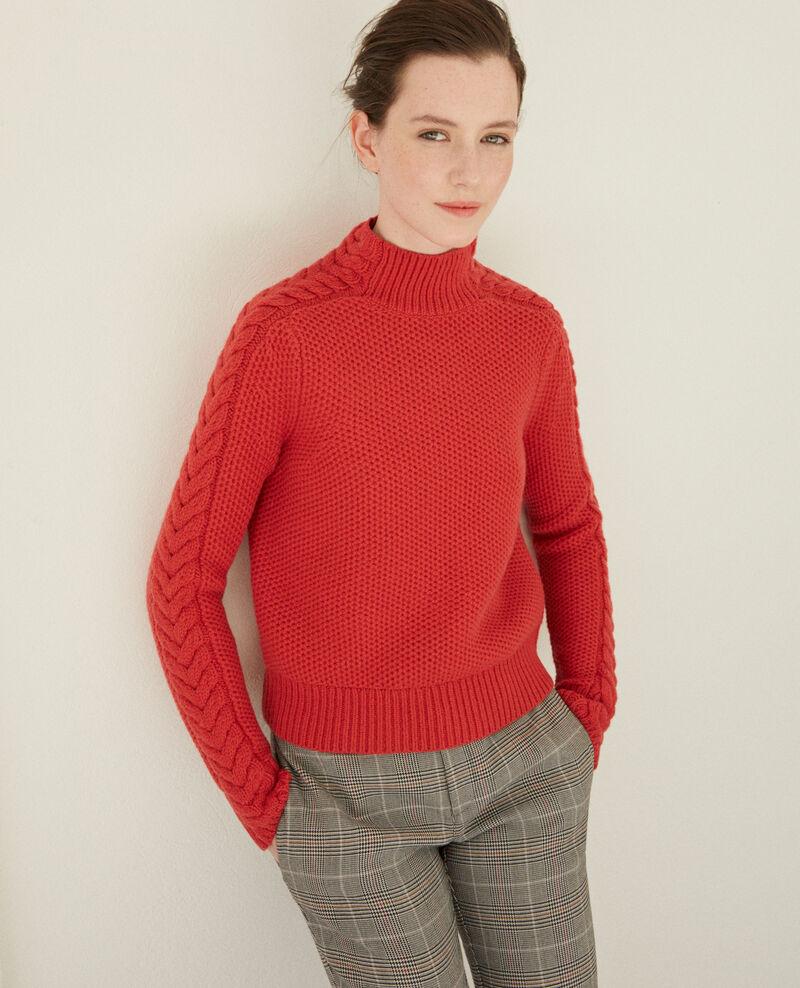 Pull en laine avec détails de tresses Pompeian red Garouk