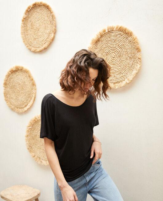 T-shirt col V dans le dos  NOIR