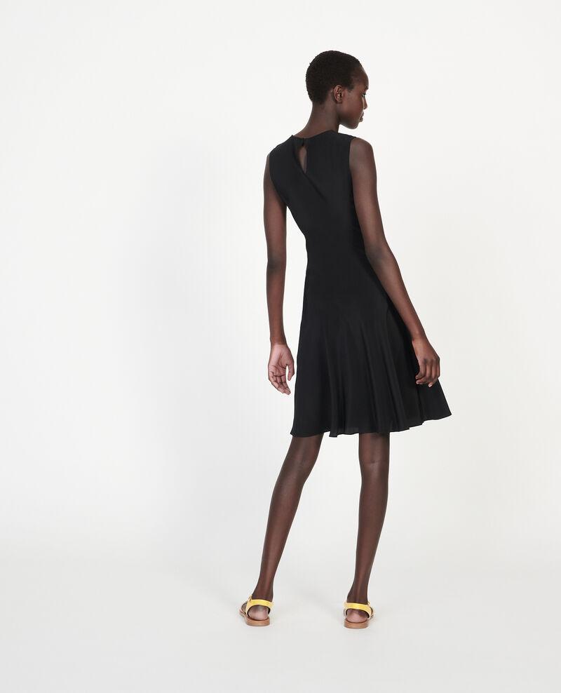 Robe en soie Black beauty Leonide