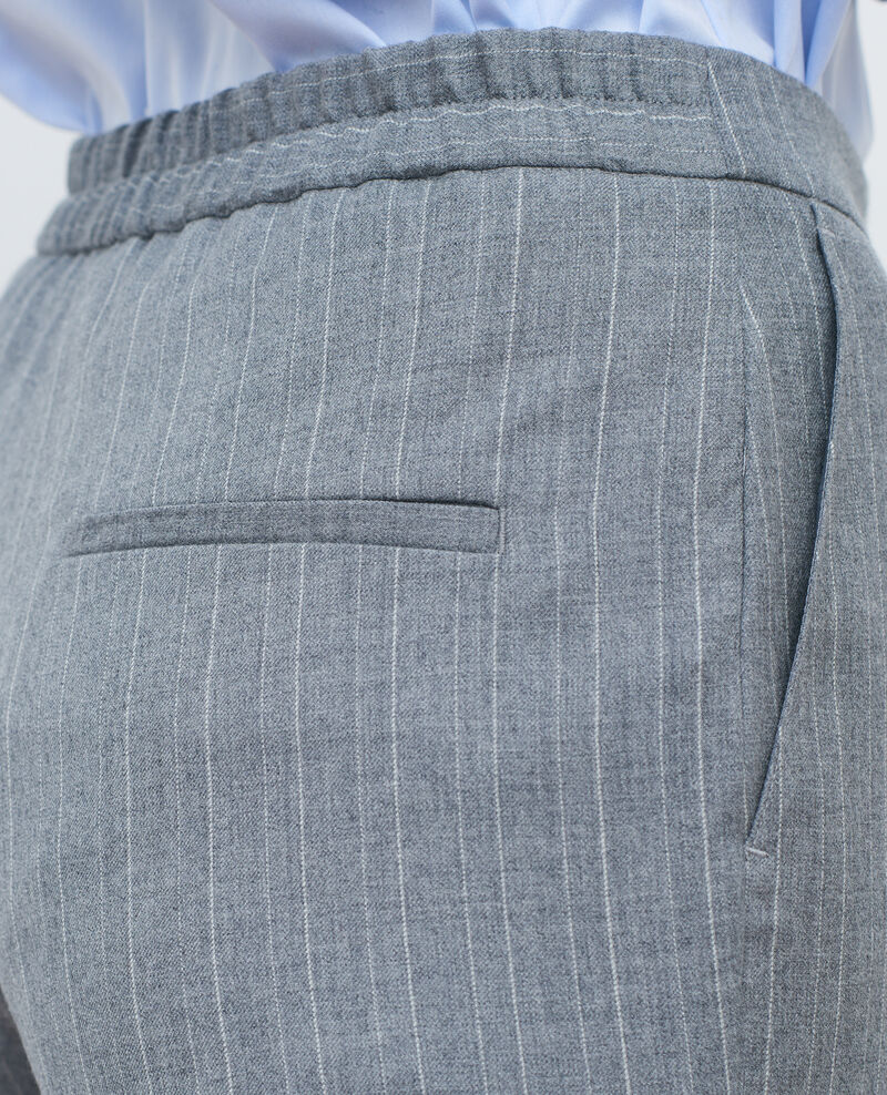Pantalon MARGUERITE, 7/8e ajusté  Light grey stripe Peasy