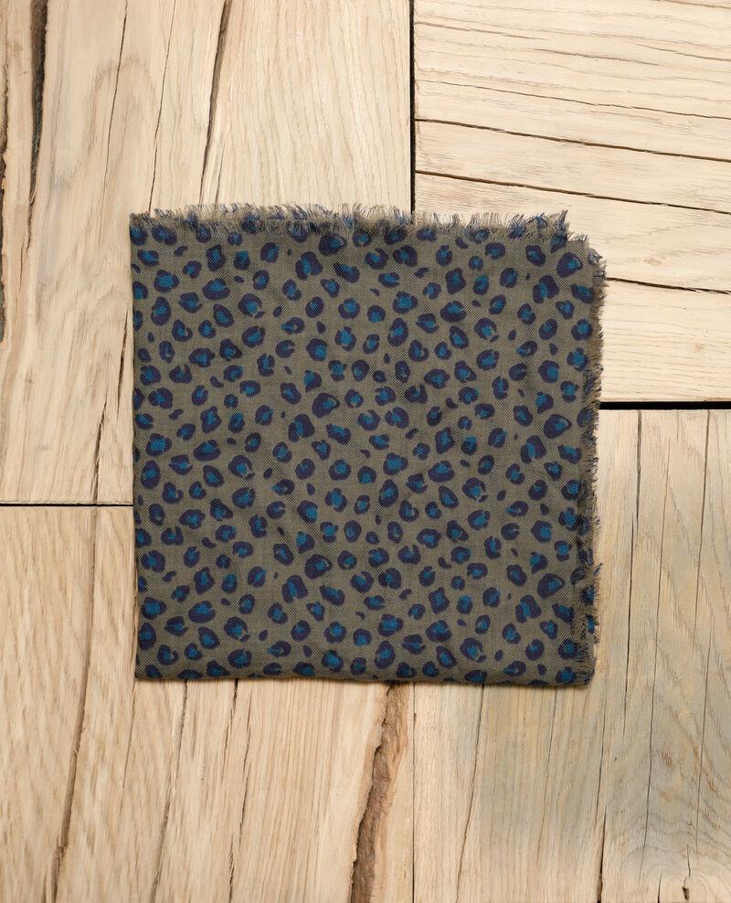 1dbf6942be1c4 Foulard femme imprimé en laine couleur Blue leopard olive night ...