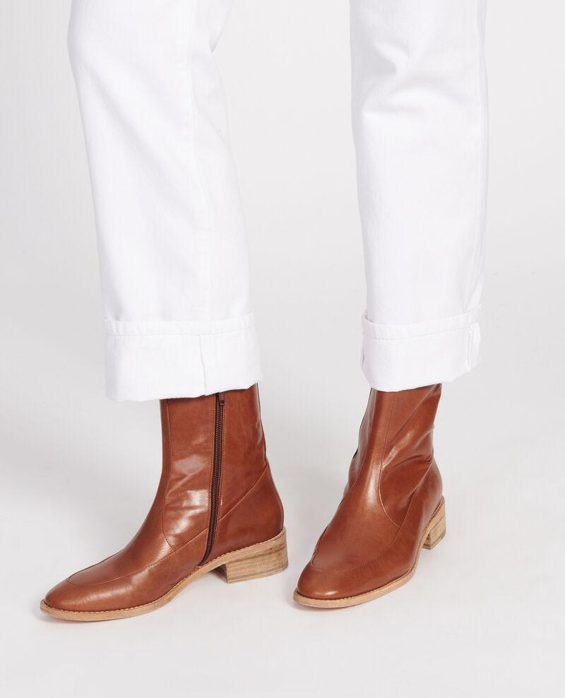 Boots ajustées en cuir Camel Lamine