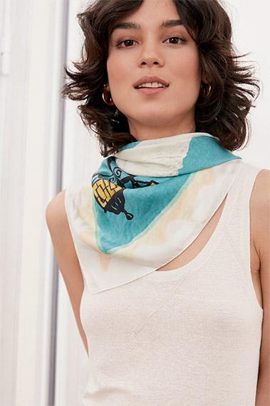 2f60f14729f ... Comment porter un foulard façon Comptoir des Cotonniers
